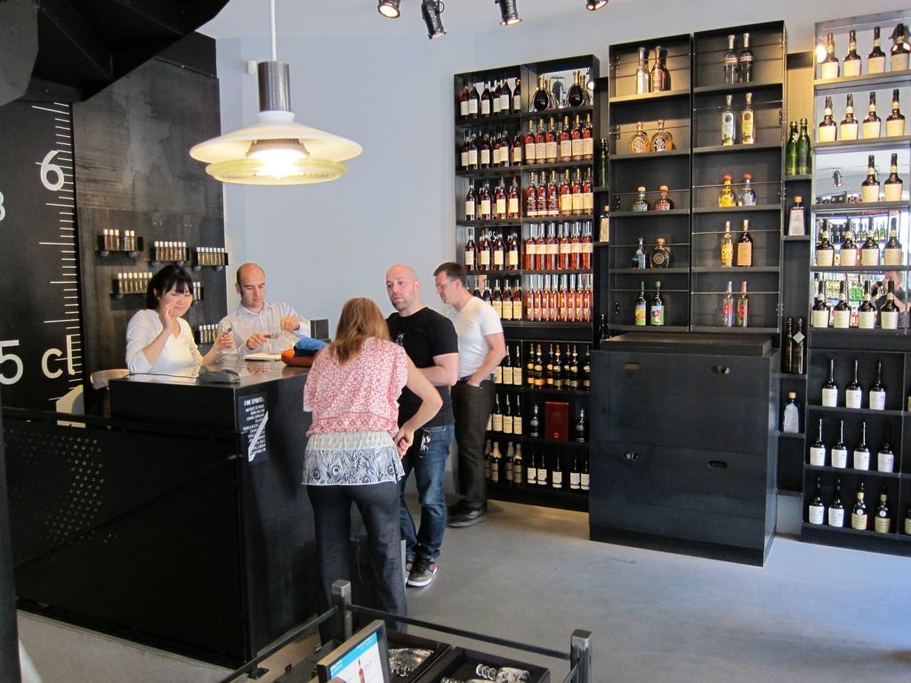 La maison du whisky adventures in cocktails - La maison du danemark boutique ...